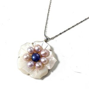 Jewelry - 18k Gold plated with Pearls Flower necklace.